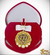 Медаль с Розочками и бантом на цепочке За большое любящее сердце (футляр сердце)