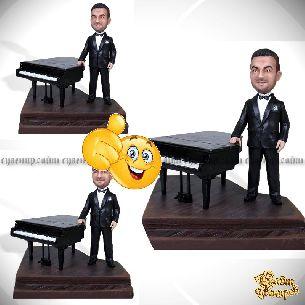 "Кукла шарж пианисту ""За роялем"""