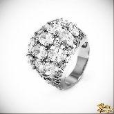 Кольцо с кристаллами Сваровски IR0108, размер 17,0