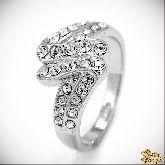 Кольцо с кристаллами Сваровски IR0157, размер 18,0