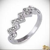 Кольцо с кристаллами Сваровски IR0180, размер 17,5