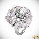 Кольцо с кристаллами Сваровски IR0221W, размер 16,0
