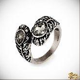 Кольцо с кристаллами Сваровски IR0227, размер 17,5