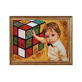Детский портрет и кубик рубик из янтаря