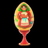 Пасхальное яйцо деревянное с ручной росписью Девушка с куличом