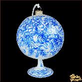 Ёлочный шар ручной работы на подставке Гжель