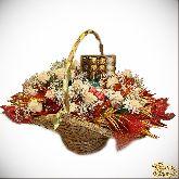 Букет цветов Гранатовое сокровище с живыми цветами