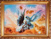 Картина белые голуби из янтаря