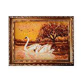 Картина лебеди из янтаря