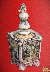 Фарфоровый штоф Казино Корнет (Пиковая дама) (цветная с золотом)