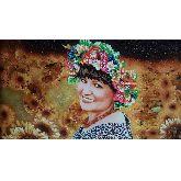 Портрет очаровательная женщина - из янтаря