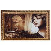 Портрет женщины с сигарой из янтаря