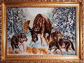 Репродукция Волки и лось из янтаря Т. Данчуровой
